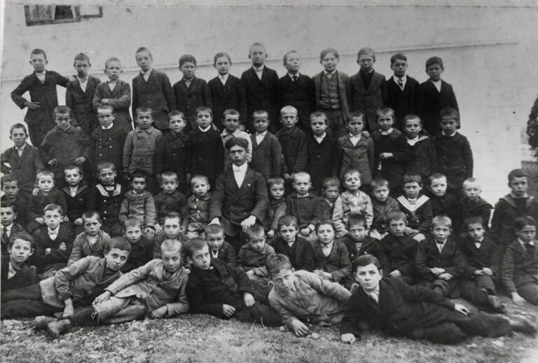 Boys from Srdoči Public School, Rijeka, 1912/1913