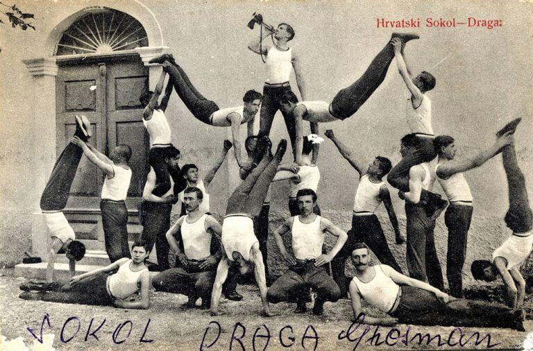 Sokolaši / Falconers (members of the Croatian Falcon Society), from Draga, Zagreb, beginning of the 20th century