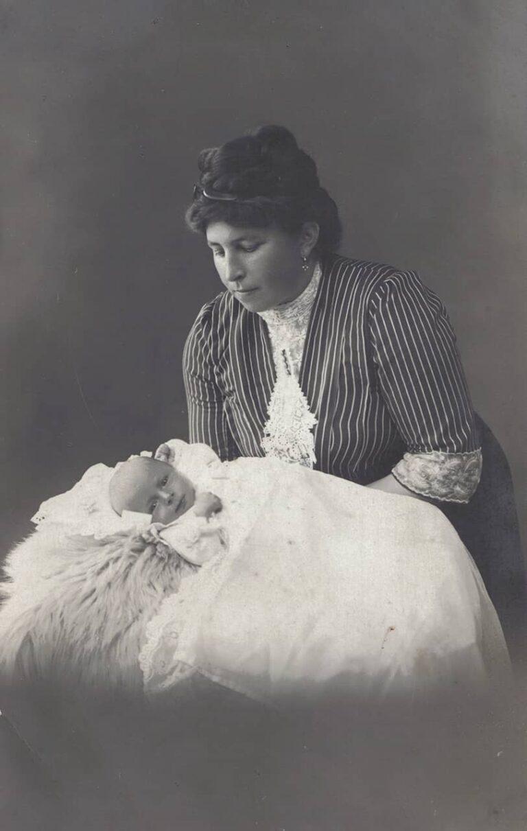 Photograph of a woman with a newborn, Bogumil Zoubek, Sušak, around 1920