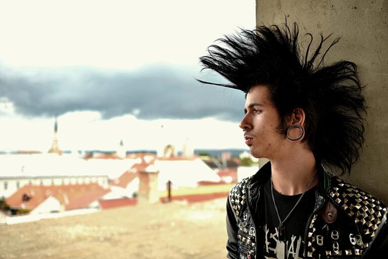 Punk rocker, Marcel Jancovic, Shutterstock – Clothes are attitude